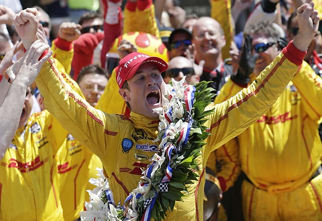 Hunter-Reay and Castroneves swapped position four times in the final five laps, but in the end it was Hunter-Reay celebrating.