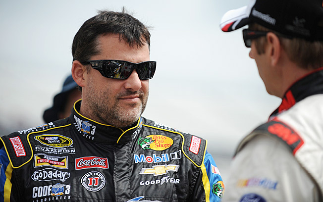 Despite his being badly injured in a crash, Tony Stewart's love of sprint cars wasn't dented.