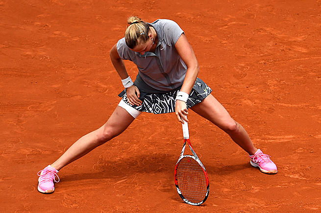 Petra Kvitova struggled with injury during her third-round match against Svetlana Kuznetsova.