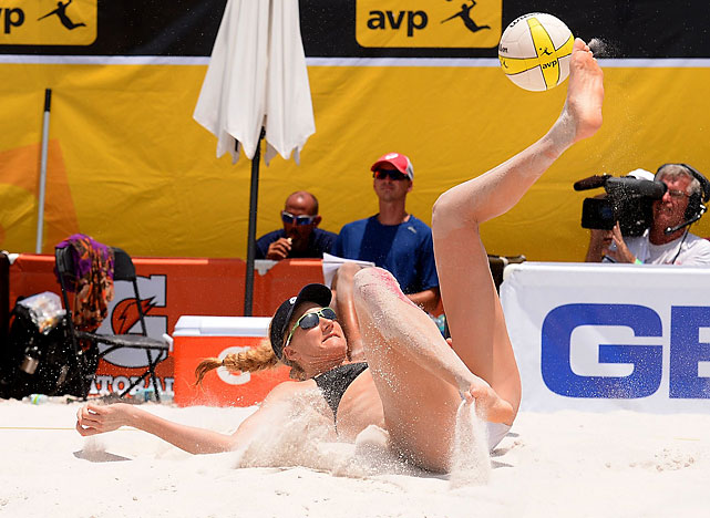 Kerri Walsh Jennings will keep a ball alive any way she can.