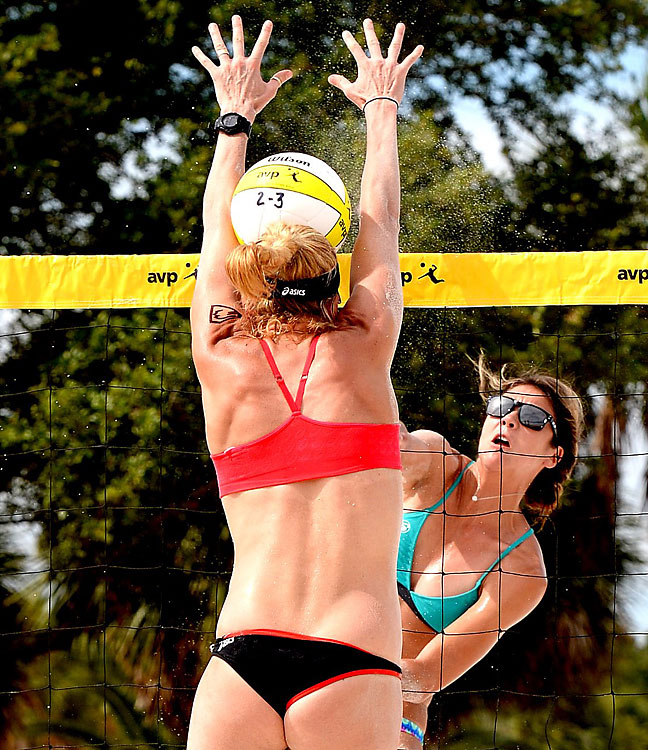 Sheila Shaw is blocked by the head of Kerri Walsh Jennings.