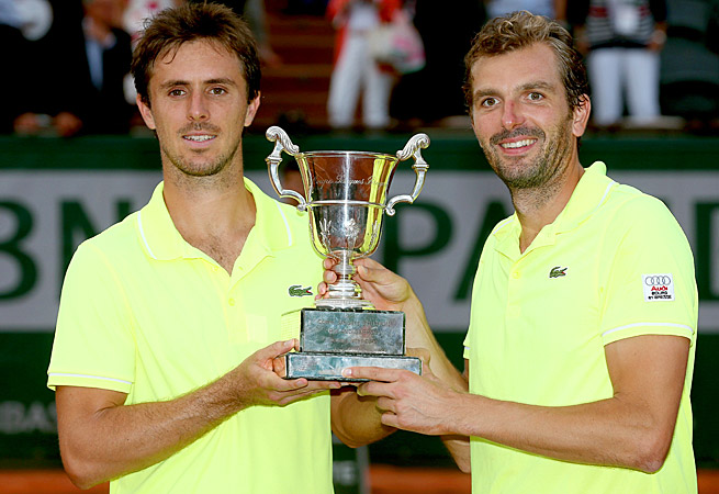 Edouard Roger-Vasselin and Julien Benneteau became the first French pair to win doubles at Roland Garros since 1984.