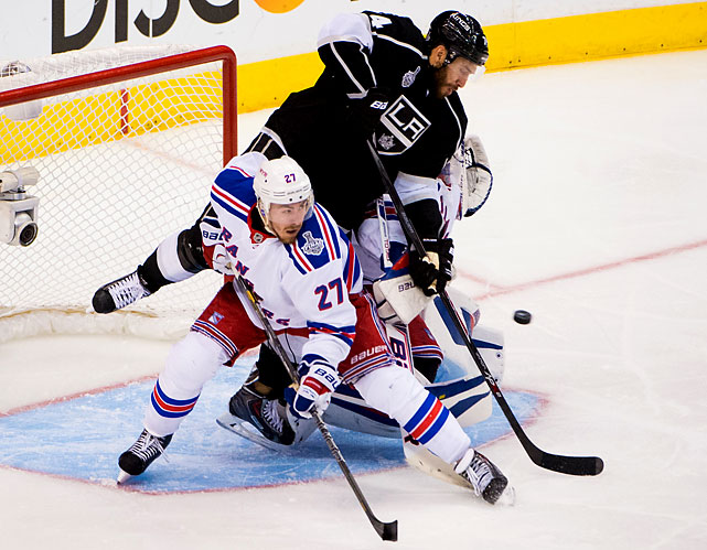 Dwight King kicked off the Kings' comeback with a debated goal early in the third.