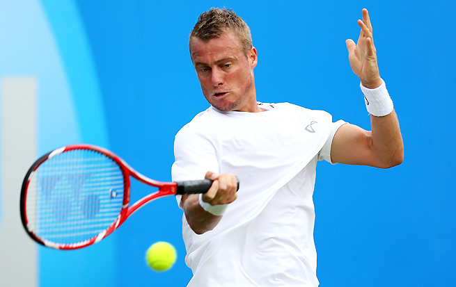 Lleyton Hewitt beat Daniel Gimeno-Traver 6-3, 6-3 in his bid to win a record fifth title at Queen's Club.