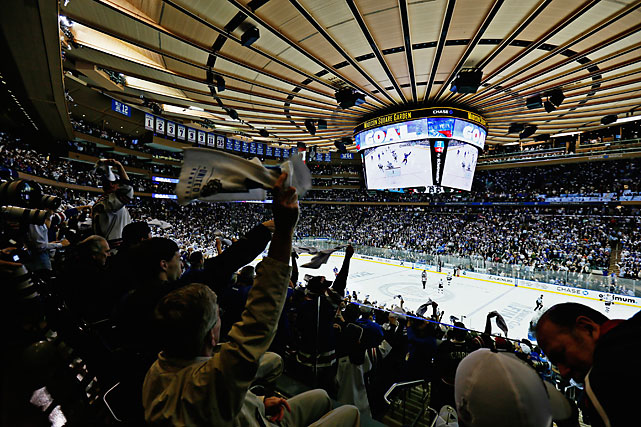 An energized Madison Square Garden crowd of 18,006 helped fuel New York to a Game 4 victory.