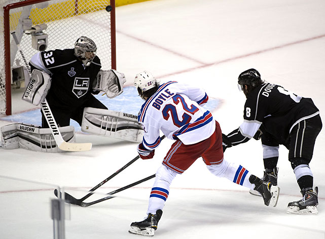 Brian Boyle scored a tiebreaking short-handed goal late in the second period for the Rangers, who showed no nerves while facing elimination for the sixth time this spring.