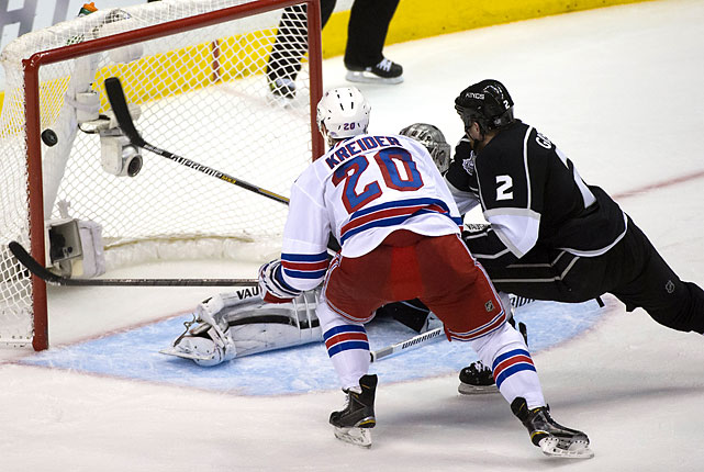 Chris Kreider scored a power-play goal to tie the game at 1-1.