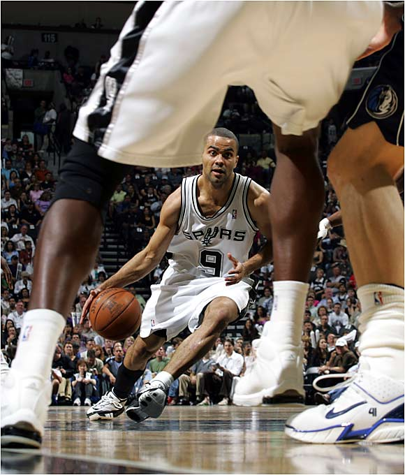 Manu Ginobili scored 22 points in the losing effort for the Spurs.