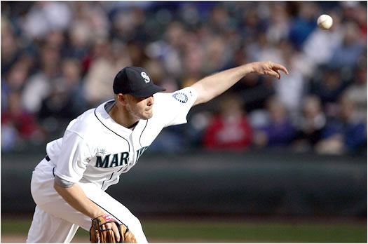 As a member of the Mariners, Washburn is looking to bounce back this season after earning only eight wins in 2005. Manager Mike Hargrove loves his new veteran pitcher and hopes he can win 18 games like he did in 2002 with the Angels.