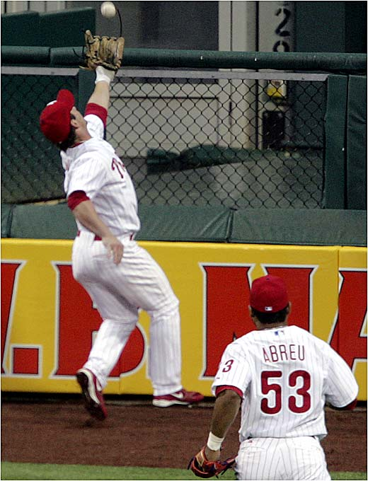 Center fielder Aaron Rowand made a sensational over-the-shoulder catch to rob the Mets' Xavier Nady of an extra-base hit last Thursday in Philadelphia.