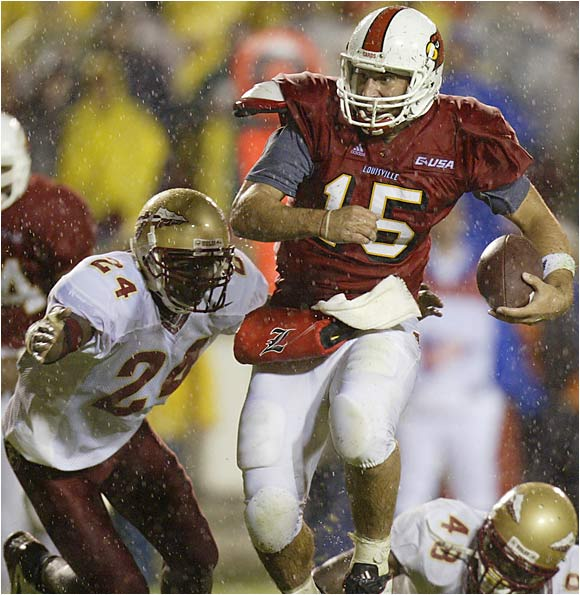 Mandel's take: It's amazing to me that more people don't remember this rainy, Thursday-night game as a defining moment. The 'Noles were less than two years removed from their streak of 14 straight top four rankings and three straight BCS title-game appearances. Louisville was then a member of Conference USA. The Cardinals won. If that doesn't say it all about the new era of parity in college football, I don't know what does.