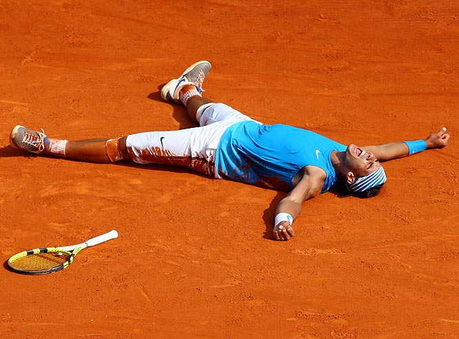 Nadal began a five-match winning streak against Federer with a straight-sets victory, improving to 7-1 on clay against his rival and giving him 98 wins in his last 99 matches on the  terre battue .    Nadal leads series 9-6.