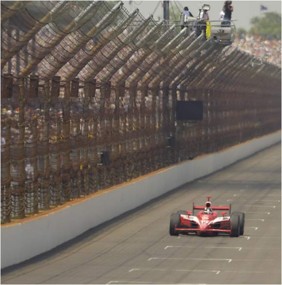 It's rare to find some elbow room during the Indy 500, but defending champ Dan Wheldon seems to have the entire track to himself.
