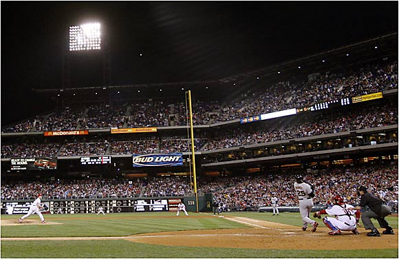 Bonds responded with his bat -- that's career home run No. 713 sailing toward the right-field stands.