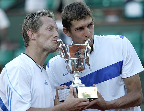 Jonas Bjorkman and Max Mirnyi beat Bob and Mike Bryan, marking the second time that the same two teams played in consecutive finals at Roland Garros since 1951 and 1952.