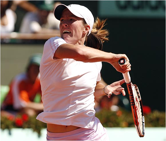 Justine Henin-Hardenne is now 11-1 against Svetlana Kuznetsova, including 4-0 on clay and 4-0 at majors.