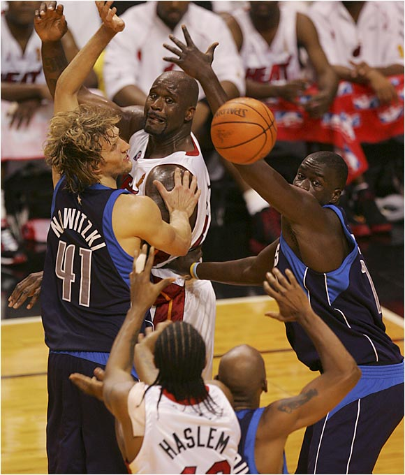 Displaying an often-overlooked passing touch, Shaquille O'Neal handed out a team-high five assists in the Heat's 98-96 Game 3 victory.