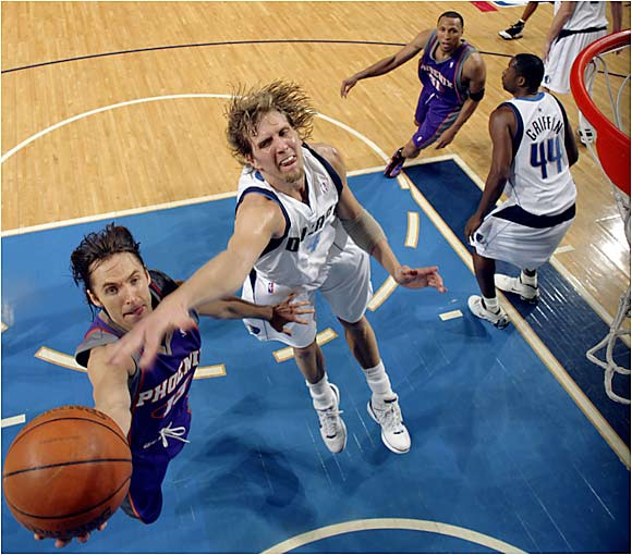 In a rematch of last year's Western Conference semifinals, Nash torched his old team as the Suns took the series opener from the Mavs 121-118. No assist was bigger than Nash's pass to Boris Diaw, who hit a turnaround jumper with less than a second remaining to clinch the victory.