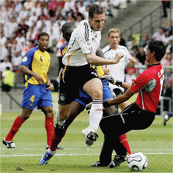 In a match of undefeated teams, striker Miroslav Klose scored two goals--continuing his stratospheric start to the 2006 World Cup (four goals in three games)--and Germany drubbed Ecuador 3-0. Much to the host country's delight, Germany scored eight goals in its first three games.