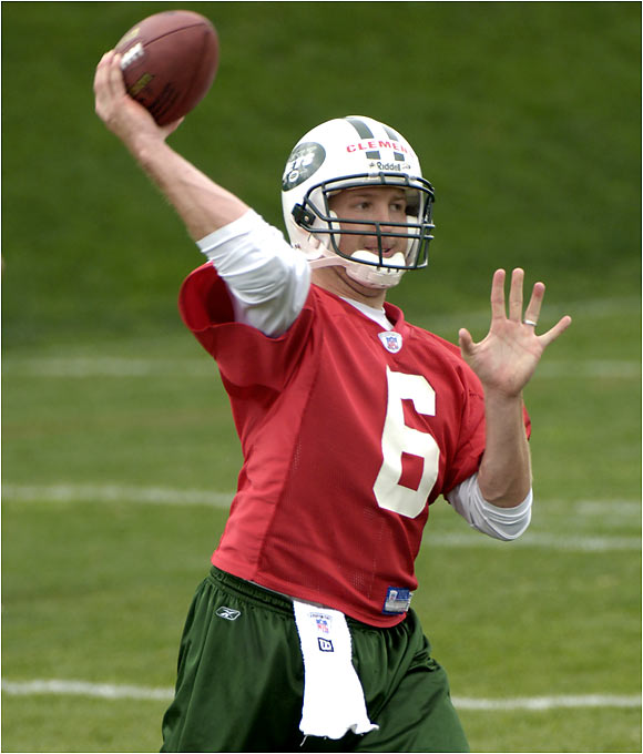 The rookie out of Oregon immediately served notice to veterans Chad Pennington and Patrick Ramsey that it's not a two-man race for the starting job. Once the Jets start to struggle -- which they will -- look for new coach Eric Mangini to give the strong-armed Clemens a shot.