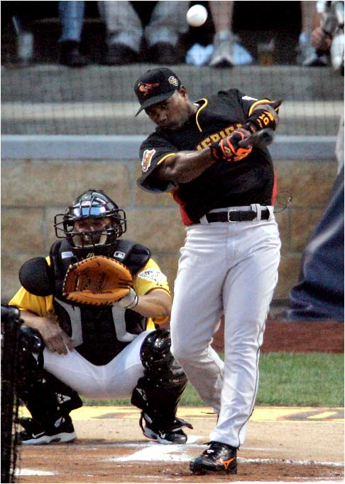 Miguel Tejada, the 2004 derby champ, who once had the record with 15 homers in a round, opened the contest with three longballs, but it wasn't enough to win another title.