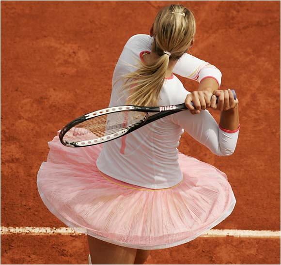 Maria Sharapova playing Dinara Safina at the French Open on June 4, 2006.