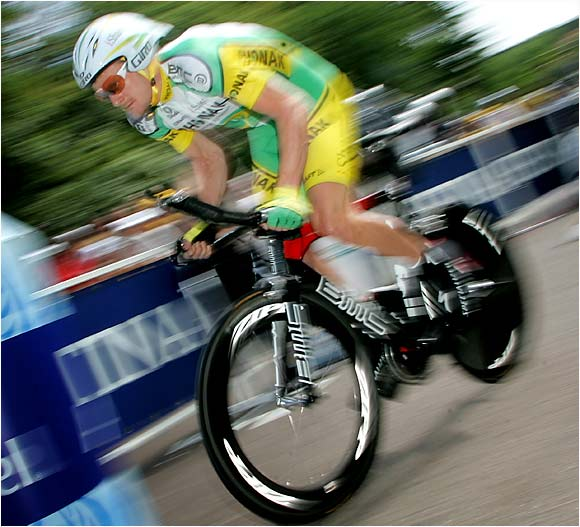 Landis placed third in the Tour's last time trial, taking the yellow jersey from former teammate Oscar Pereiro and securing a 59-second lead over the Spaniard.