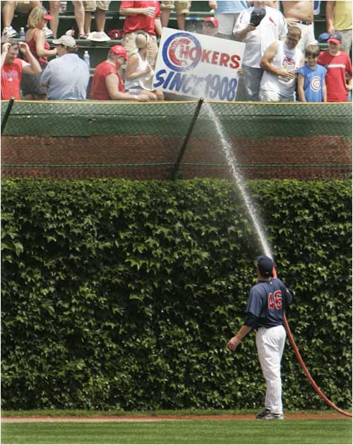 Cubs pitcher Ryan Dempster just can't take the heckling anymore.