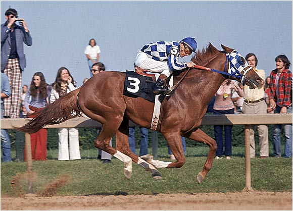At the Preakness Stakes in 1973, jockey Ron Turcotte rode Secretariat as the legendary horse raced towards the Triple Crown.