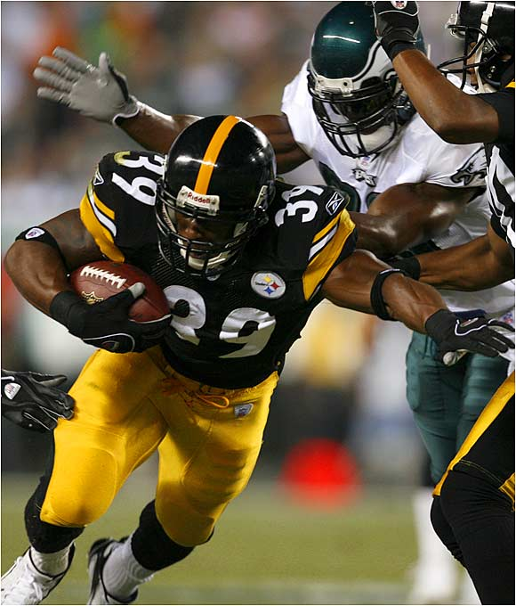 Willie Parker of the Steelers looks for running room during a 16-7 loss to the Eagles. He finished with 13 yards rushing.