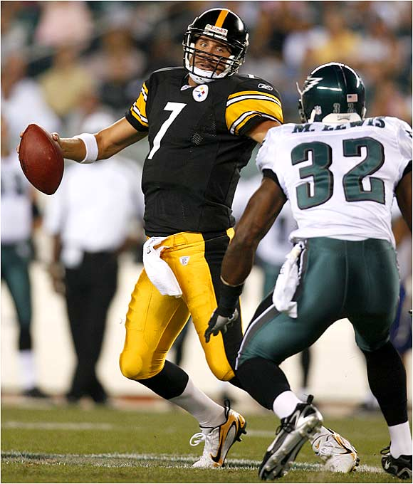 Steelers quarterback Ben Roethlisberger faces pressure from the Eagles' Michael Lewis. Roethlisberger completed 9 of 14 for 52 yards.