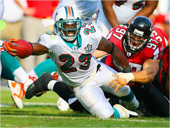 With Ricky Williams out of the way in Miami, Brown will be the only rushing option for the Dolphins. He should improve greatly on last year's 907-yard rushing total, and he's already proven to be a solid receiver out of the backfield.