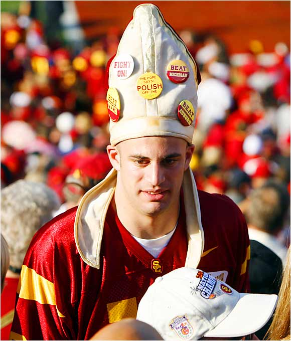 We're not sure what look this USC fan was going for, but anyone willing to wear a hat like this is okay in our book.