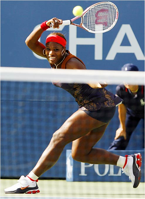 Unseeded Serena Williams won consecutive matches against seeded players, beating No. 17 Daniela Hantuchova and No. 16 Ana Ivanovic.