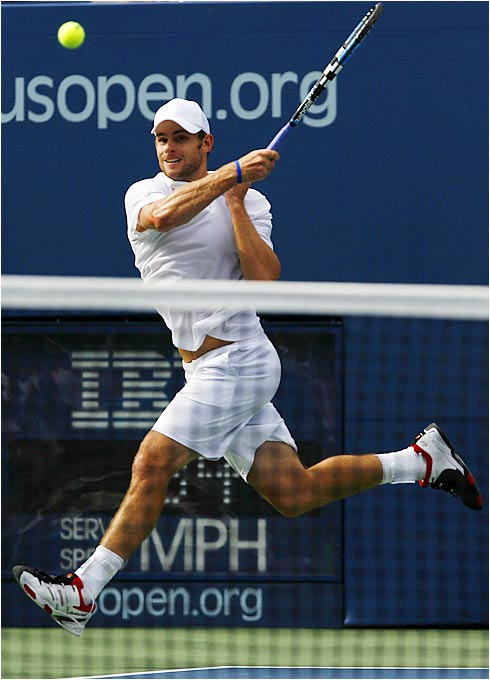 Ninth-seeded Andy Roddick survived a five-set battle with No. 22 Fernando Verdasco on Sunday.