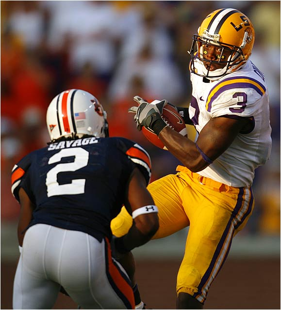 Craig Davis (3) of LSU had seven catches for 96 yards against Auburn.