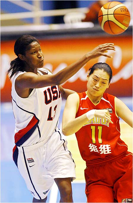 With 2002 World Championship MVP Lisa Leslie missing the tournament because of personal reasons, the U.S. is counting on Michelle Snow, among others, in the post. Snow tied for the team lead with 10 rebounds in its 47-point victory over China.