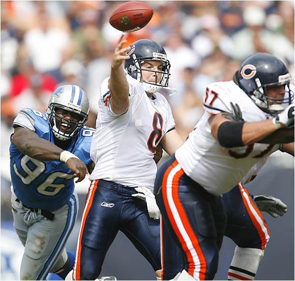 Chicago QB Rex Grossman set a career high with 289 yards and four touchdown passes in the Bears' 34-7 win over the Lions.