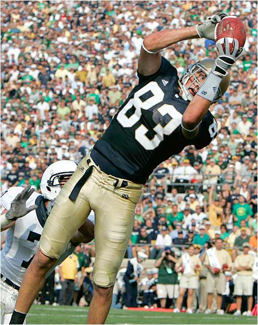 Jeff Samardzija of Notre Dame catches a seven-yard touchdown pass in the second quarter to give the Irish a 13-0 lead.