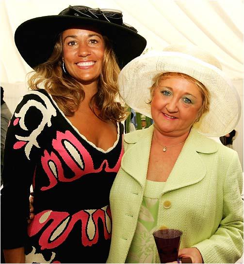 Melissa Lehman (left), wife of U.S. captain Tom Lehman; and Glendryth Woosnam, wife of European captain Ian Woosnam.