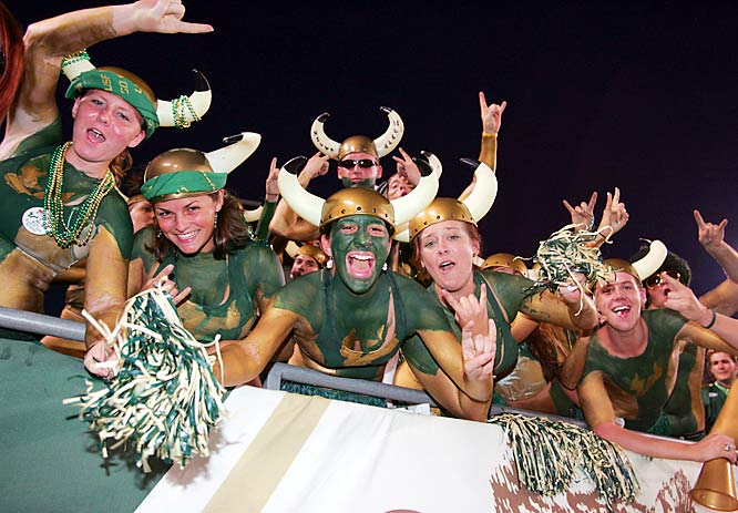 South Florida fans got pumped before Thursday night's game against Rutgers.
