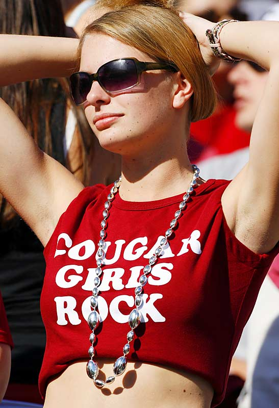Cougar girls definitely rock, but the team itself ... not so much. Washington State fell to Cal, 21-3.