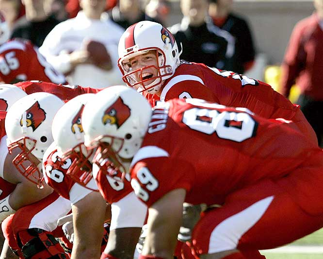 Cardinals quarterback Brian Brohm threw for 324 yards and a touchdown as Louisville survived the Bearcats. It was Brohm's first action since injuring his throwing hand on Sept. 16.