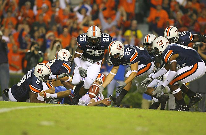 The Auburn defense blocked this third-quarter Florida punt, which was recovered by Tre Smith (22), who ran it in for a touchdown from the 15.
