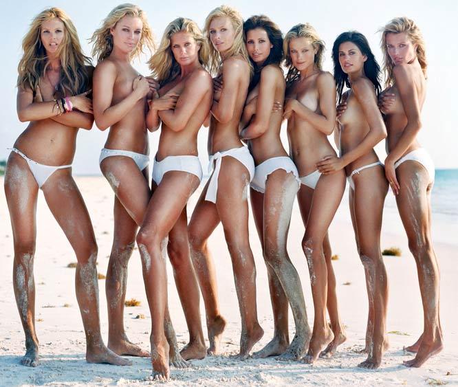 Elle Macpherson, Rebecca Romijn, Rachel Hunter, Daniela Pestova, Elsa Benitez, Carolyn Murphy, Yamila Diaz-Rahi & Veronica Varekova.