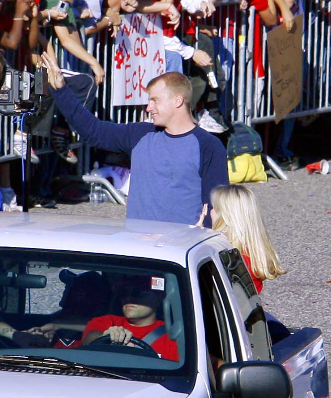 World Series MVP David Eckstein waves to fans.