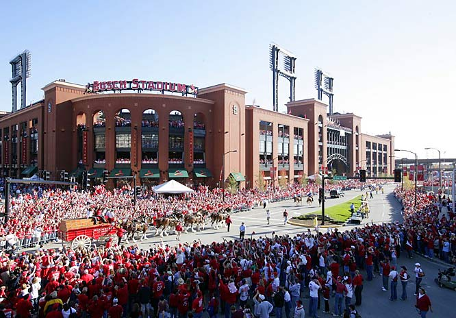 The Cardinals arrive at Busch Stadium for a rally following their parade.
