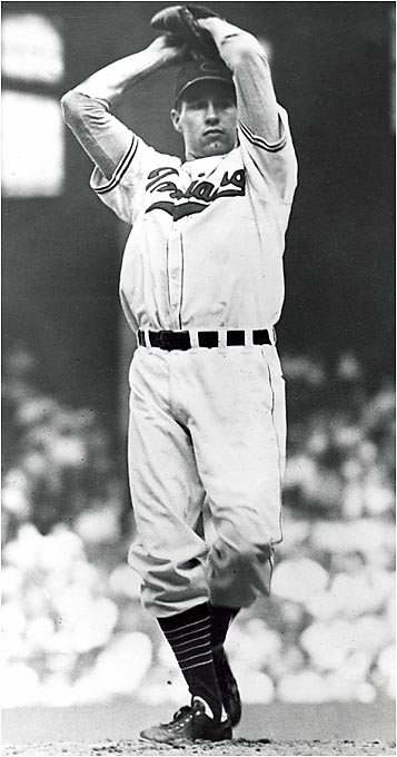 Indians ace Bob Feller picked off the Braves' Phil Masi from second base during the eighth inning of the World Series opener, but umpire Bill Stewart blew the call. Masi then scored the only run in the Braves' victory.