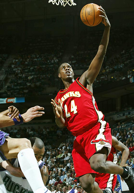Williams struggled to find a role in his rookie season; he seemed caught between forward positions and put up mild -- albeit promising -- numbers (8.5 points, 4.8 rebounds, 0.3 blocks per game) despite solid minutes (24.7) in Atlanta's crowded frontcourt. The good news? Al Harrington has been shipped back to Indiana, and Williams, who turned 20 in the offseason, was the Rocky Mountain Revue summer league's MVP. He'll get lots of opportunities to shine.
