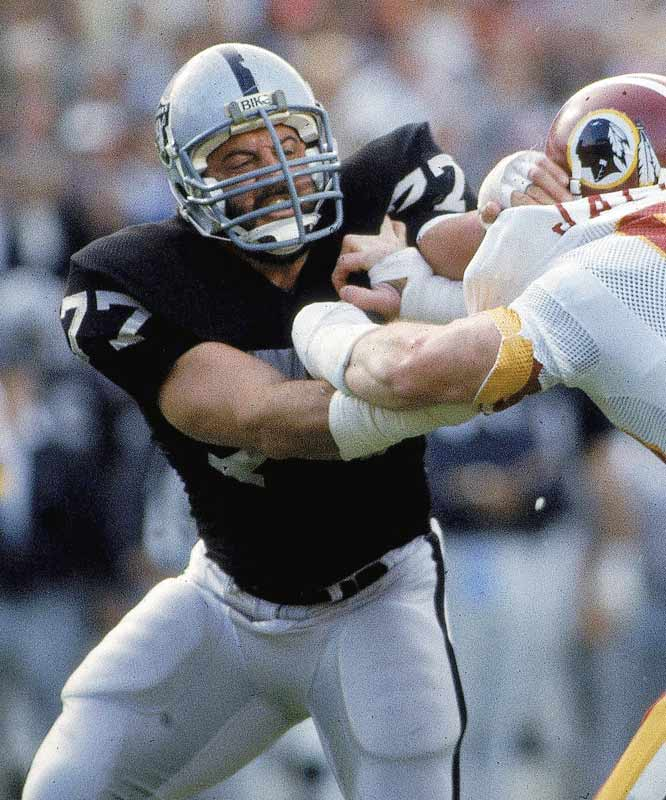 Though he threatened to behead Redskins quarterback Joe Theismann, Lyle Alzado went sackless in Super Bowl XVIII, but he did help hold Washington to only nine points. Over the next 20 Super Bowls, only the 2001 Baltimore Ravens gave up fewer points.